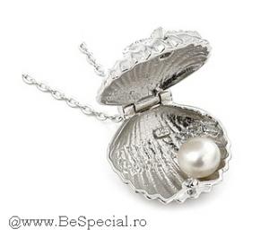 Colier-argint-in-forma-de-scoica-zzz-CSX0047