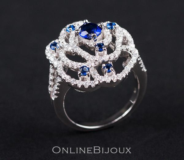 inel pietre albastre